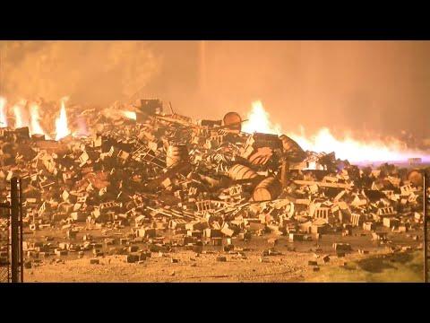 Mel Taylor - Massive Fire At the Jim Beam Warehouse