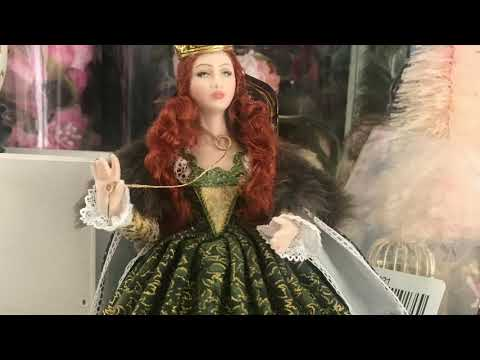 A short video on my Victorian doll as a gift to Janine.