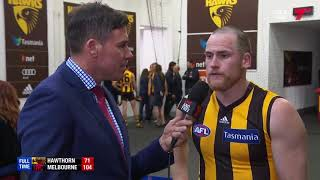 Richo chats to Jarryd Roughead in the @HawthornFC rooms after tonight's loss. #AFLHawksDees
