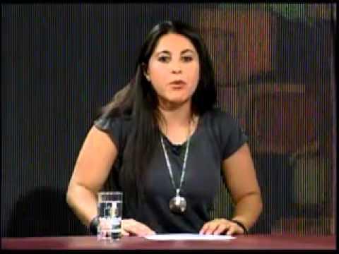 Susana Bejarano conductora del programa Corto Verano transmitido por la Red ATB