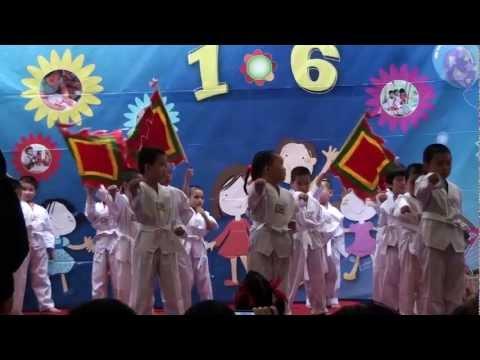 Biểu diễn Taekwondo - Mầm non Việt Pháp