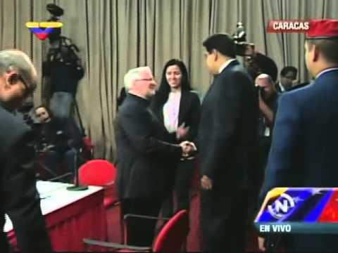 Así saludó el Pdte Nicolás Maduro a opositores en Diálogo por la Paz