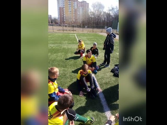 Первые победы юных футболистов