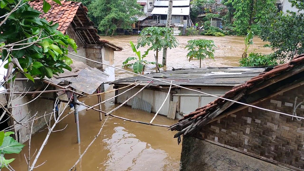 Banjir Jakarta 1 Januari 2020 Sungai Ciliwung Area Hankam ...