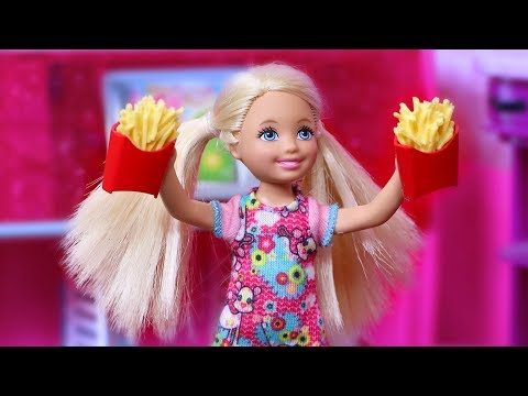 """Life with Barbie Episode 33 - """"Freaky Fryday"""""""