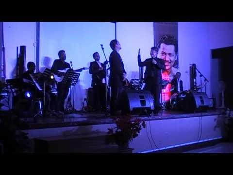 LIVE LAGU :  AZIZAH ( P RAMLEE ), Song : IWAN SOENARYO
