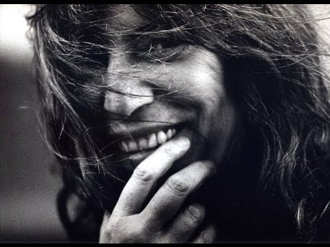 Patti Smith - Dancing Barefoot (Acoustic Studio)