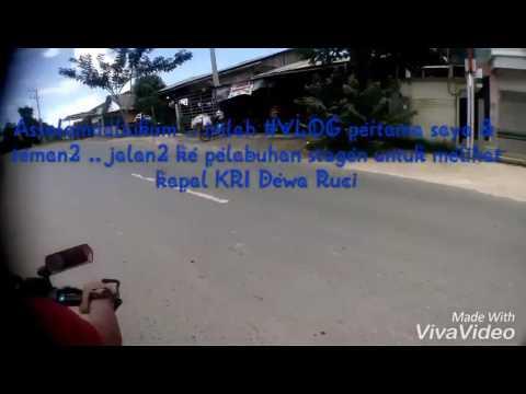 Jalan2 ke pelabuhan tarjun Kotabaru .. melihat kapal KRI Dewa Ruci ..........