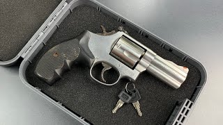 824-a-plastic-gun-safe-picked-and-bypassed-snapsafe-s-treklite