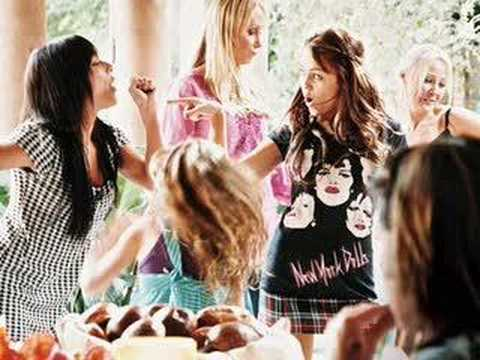 meet hanna montana miley cyrus real friends and family videos