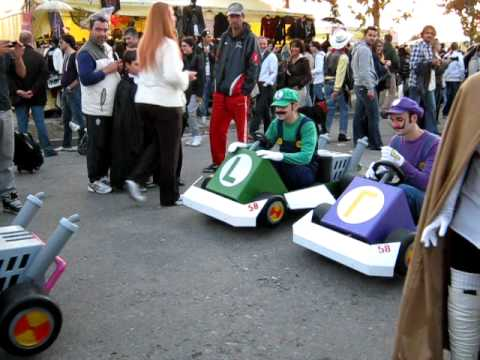 lucca kart Mario kart cosplay @ Lucca comics & games 2011   YouTube lucca kart