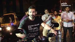 Salman Khan & John Abraham Riding Bike On Mumbai Roads