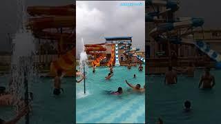 Magical sliding in golden water park/ ऐसी वाटर स्लाइडिंग आपने पहले कभी नहीं देखी होगी