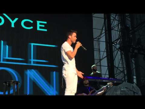 Prince Royce - Earned It Cover (Honeymoon Tour -  Hershey PA)