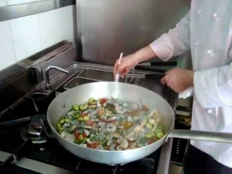 COCINA ITALIANA - Preparacion de Pasta en Restaurante Franquicia Stuzzicando