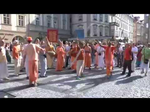HH Kadamba Kanana Swami - harinam in Prague, 21.05.2014