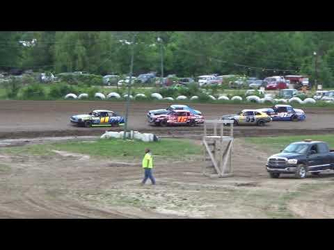 4 Cylinder Heat Race at Mt. Pleasant Speedway on 06-15-18.