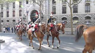 Vidéo Cavalerie de la Garde Républicaine 8 mai 2016 Paris