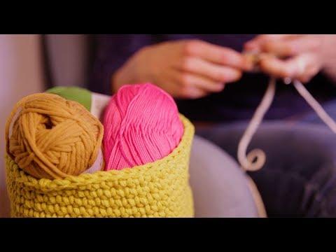 tuto crochet r alisez un panier chic et pratique youtube. Black Bedroom Furniture Sets. Home Design Ideas
