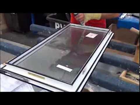 Fenomax fabrication de fen tres youtube for Fabricant porte et fenetre quebec