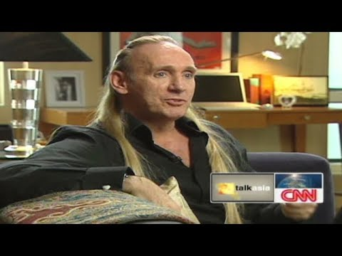 Gregory David Roberts On CNN Talk Asia  (about ''Shantaram'')