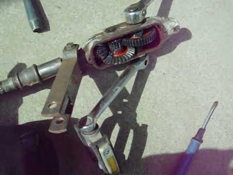 Как сделать педальный привод для катамарана из механической советской дрели.