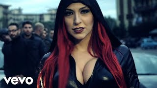 Смотреть клип Rocco Hunt - Invece No