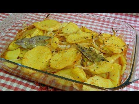 Cómo hacer patatas panadera especiadas (Una guarnición deliciosa y muy fácil)