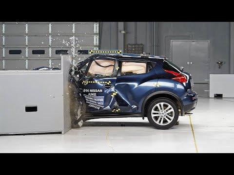 2014 Nissan Juke driver-side small overlap IIHS crash test
