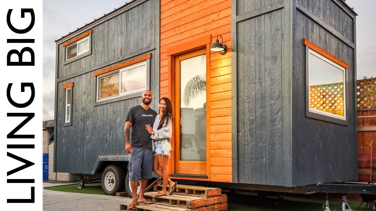 Couple Build Incredible Tiny House For One Years Rent Youtube