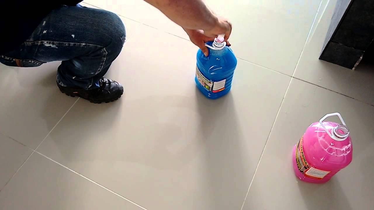 Como limpiar los pisos de porcelanato youtube - Como limpiar piso negro ...