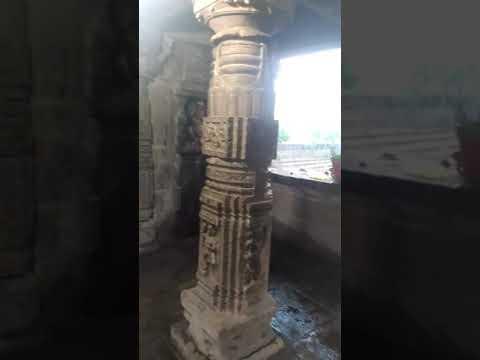 देवबलौदा प्राचीन शिव मंदिर मे 04/11/2017 को रवि सेन के पूरे परिवार के द्वारा जल अभिषेक किया