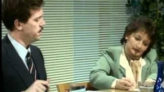 Стивен Фрай и Хью Лори - адвокаты.