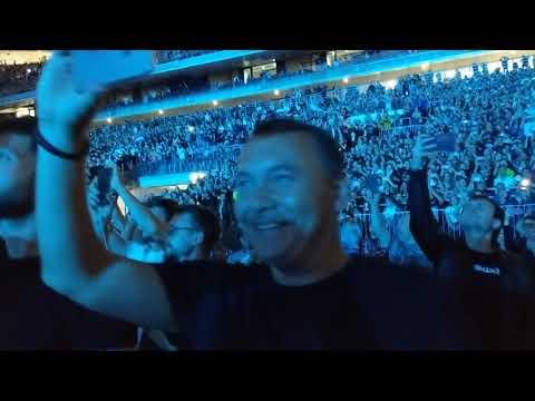 """Metallica играет """"Группу крови"""" Цоя."""