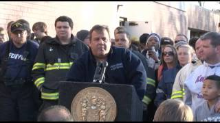 Governor Christie Hurricane Sandy Briefing In Keansburg