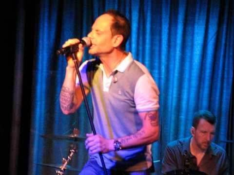14/15 Gin Blossoms - A Million Miles Away (Plimsouls Cover) @ Ram's Head Onstage, Annapolis 8/03/15