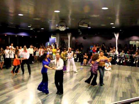 Coreo hustle baile de sal n fin de curso 2011 2012 1 julio for Battlefield 1 salon de baile