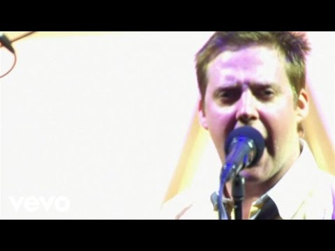 Kaiser Chiefs - Never Miss A Beat (Live From Elland Road)