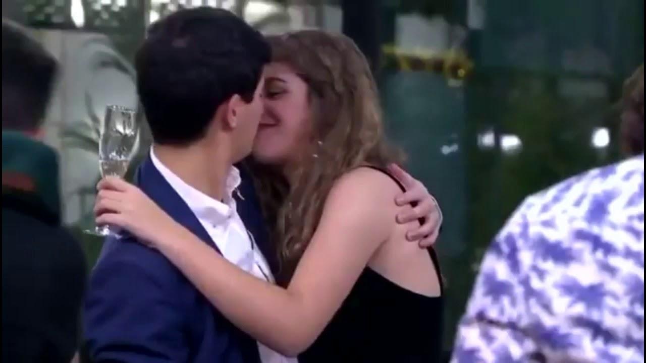 Beso fiesta