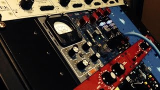 Preamp Shootout on Acoustic Guitar - Neve 1073, API 512c, Sytek MPX-4A, Universal Audio Solo 610