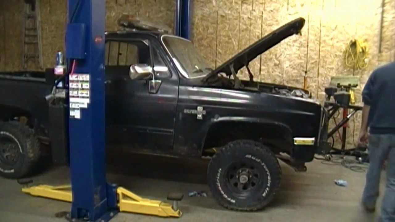 Swap meet 4x4 Chevy 700r4 trans change try #1 and a shock mount repair