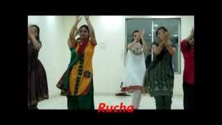 Radha..  bollywood Dance by Dance floor Studio