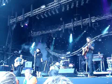 Emiliana Torrini - Heartstopper - Live at Glastonbury 2009