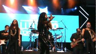 Melanie Fiona - Ay Yo - Performing at Yonge-Dundas Square, Toronto, ON - 06/11/10