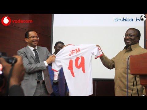 JEZI NO.19 JPM Aliyopewa Rais Magufuli na Club ya Simba SC ,kwenye mkutano mkuu