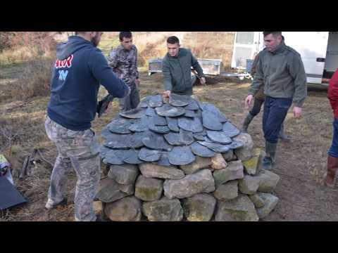 Fabrication d'un abri à reptiles sur le site de l'Estagnol
