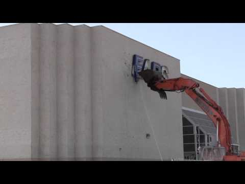 Former Westminster Mall Sears sign coming down - Aug. 2, 2012
