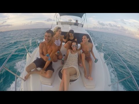 Travel- Boat Trip to Isla Mujeres