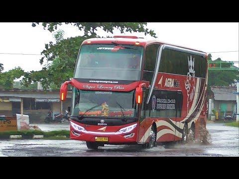 3 Bus Mewah di Terminal Jepara