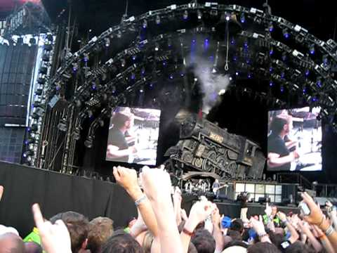 Thunderstruck - AC/DC @ Download Festival 2010